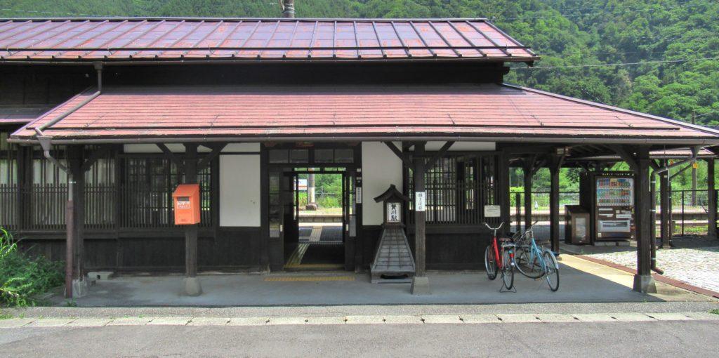 木曽路を歩く2:贄川駅から奈良...
