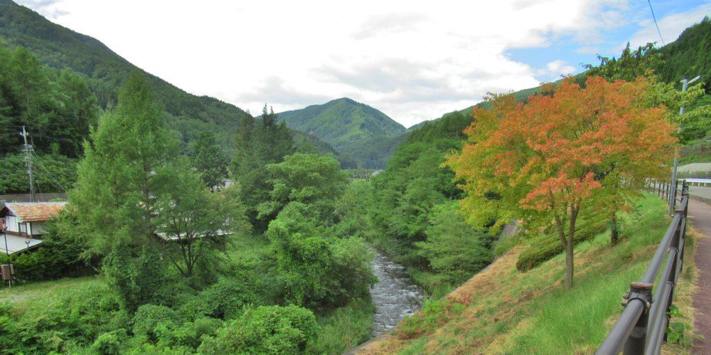 奈良井宿近くの奈良井川景観その2